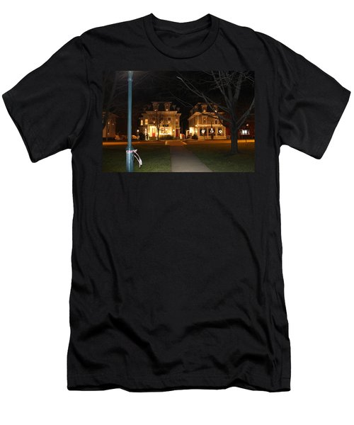 Christmas In Town Men's T-Shirt (Athletic Fit)
