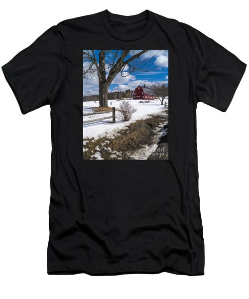 Classic New England Farm Scene Men's T-Shirt (Athletic Fit)
