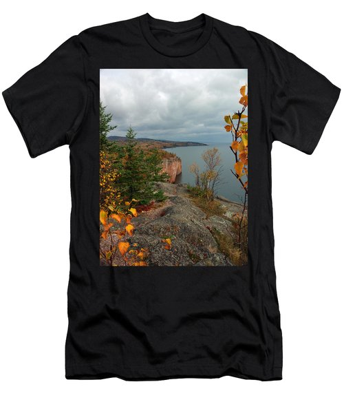 Men's T-Shirt (Athletic Fit) featuring the photograph Cliffside Fall Splendor by James Peterson
