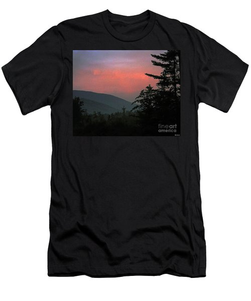 Clucks West Ossipee Mountain Sundown Men's T-Shirt (Athletic Fit)