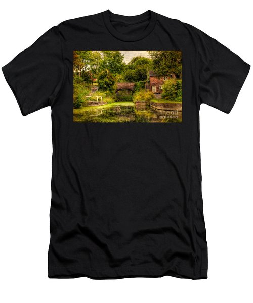 Coalport Canal Men's T-Shirt (Athletic Fit)