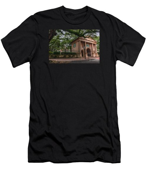College Of Charleston Campus Men's T-Shirt (Athletic Fit)