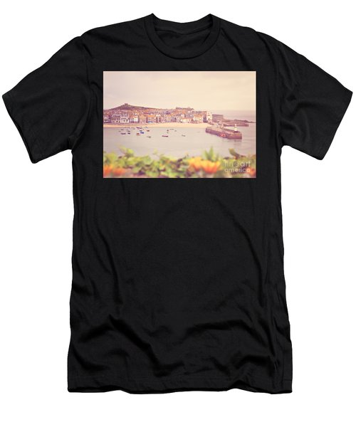 Cornish Harbour Men's T-Shirt (Athletic Fit)
