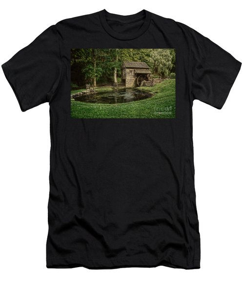 Cuttalossa Farm In Summer I Men's T-Shirt (Athletic Fit)