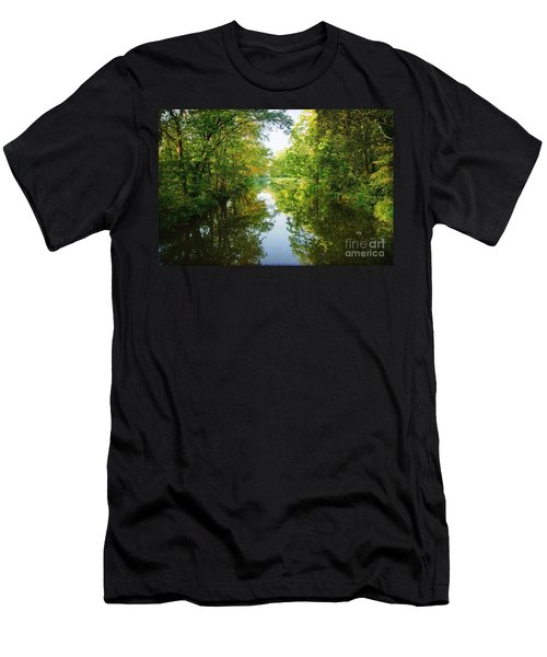D And R Canal  Men's T-Shirt (Athletic Fit)