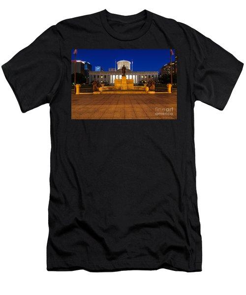 D13l112 Ohio Statehouse Photo Men's T-Shirt (Athletic Fit)