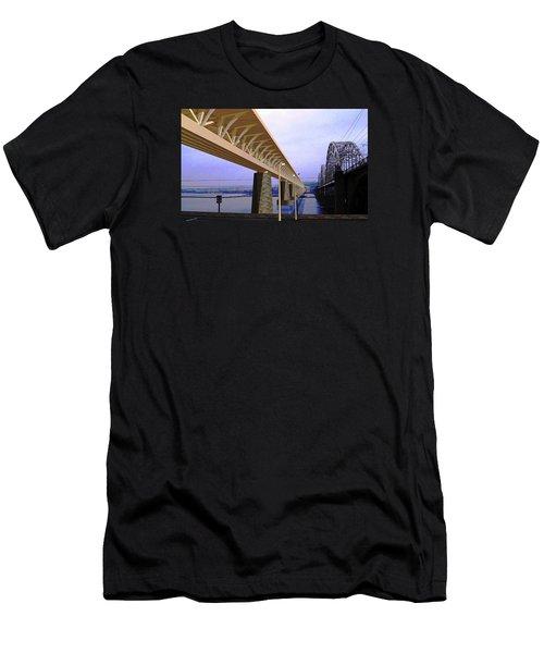 Darnitsky Bridge Men's T-Shirt (Athletic Fit)