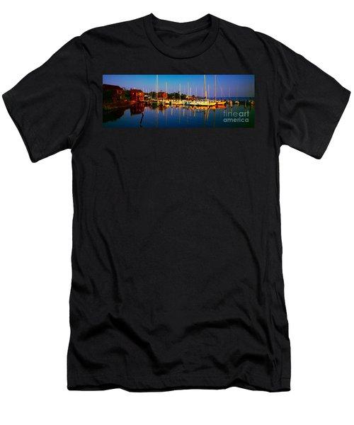 Daytona Beach Florida Inland Waterway Private Boat Yard With Bird   Men's T-Shirt (Athletic Fit)