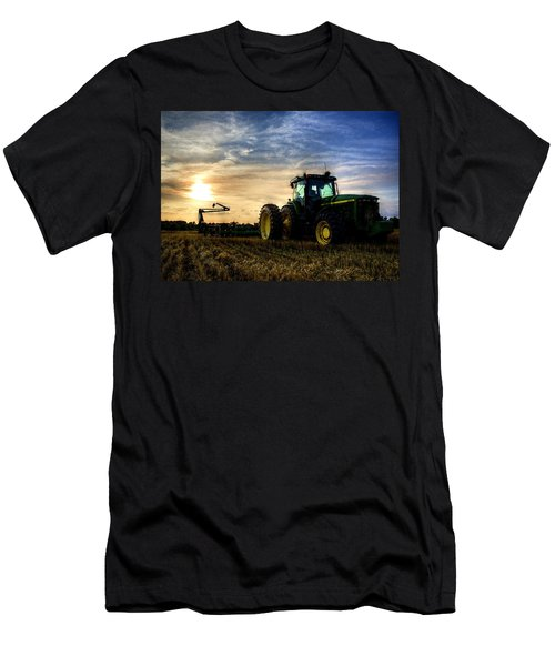 Deere Sunset Men's T-Shirt (Athletic Fit)