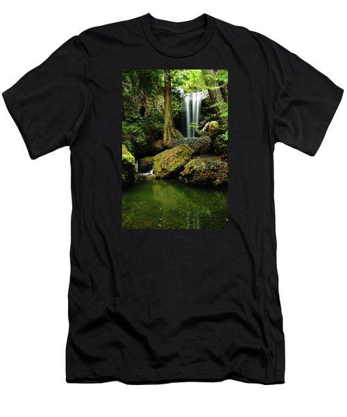 Devil Creek Falls  Men's T-Shirt (Athletic Fit)