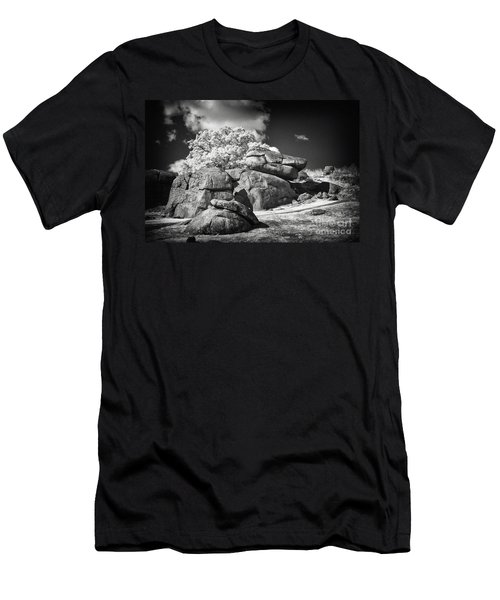 Devils Den - Gettysburg Men's T-Shirt (Athletic Fit)