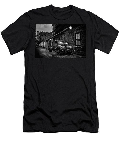 Distillery District Toronto Mono Men's T-Shirt (Athletic Fit)