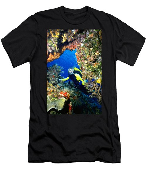 Divers Looks Into Cozumel Crevice Men's T-Shirt (Athletic Fit)