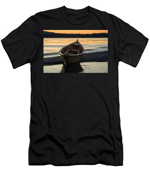 Dory At Dawn Men's T-Shirt (Athletic Fit)