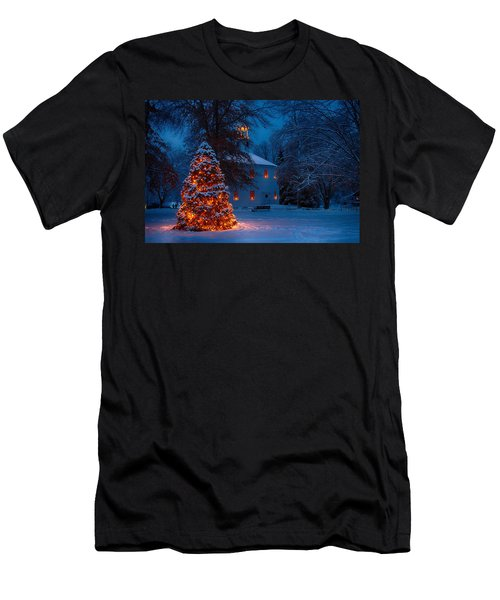 Christmas At The Richmond Round Church Men's T-Shirt (Athletic Fit)