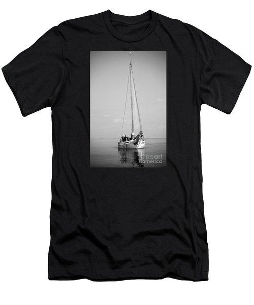 Dredger Men's T-Shirt (Athletic Fit)