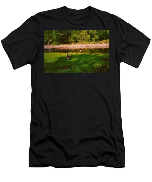 Duck Family Getting Back From Pond Men's T-Shirt (Athletic Fit)