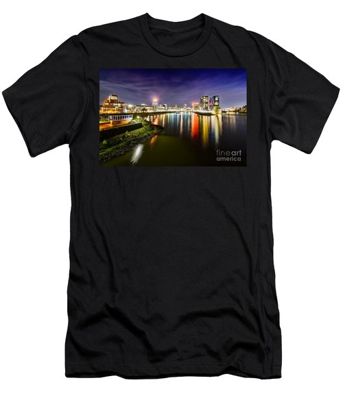 Dusseldorf Media Harbor Skyline Men's T-Shirt (Athletic Fit)