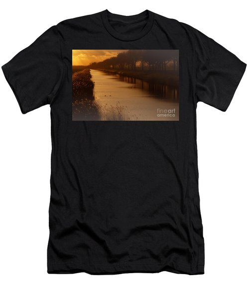Dutch Landscape Men's T-Shirt (Athletic Fit)