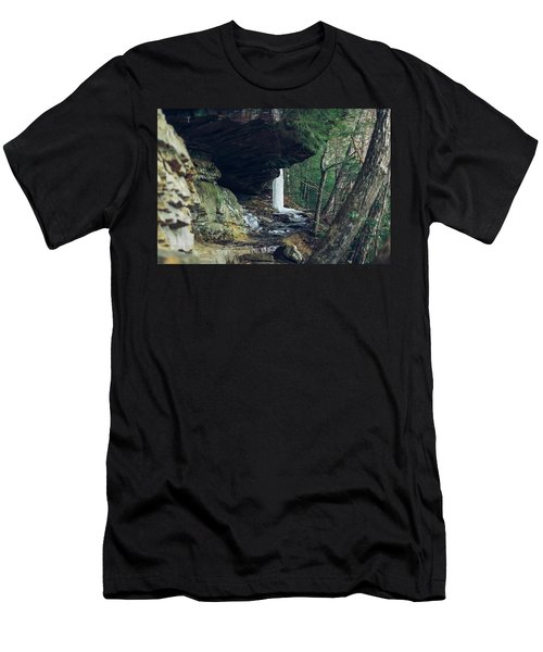 Eaglefalls Trail In Winter Men's T-Shirt (Athletic Fit)