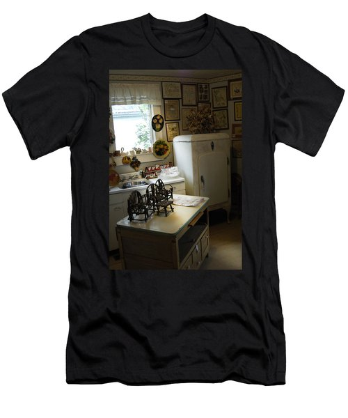 Early Fifty's Kitchen Men's T-Shirt (Athletic Fit)