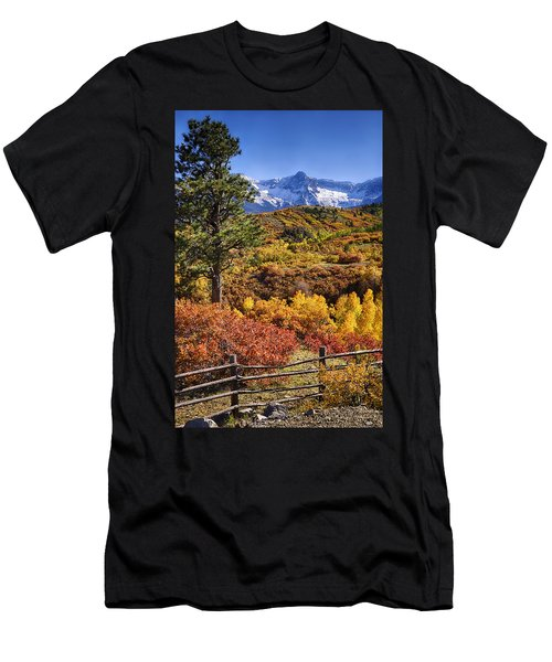 Fall At Dallas Divide Men's T-Shirt (Athletic Fit)