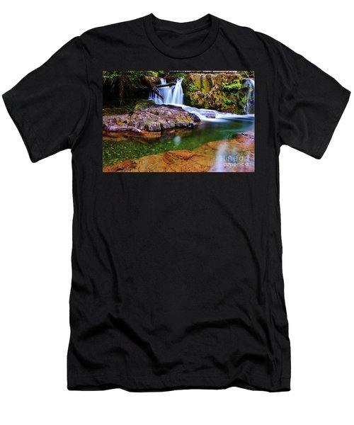 Fall Creek Oregon Men's T-Shirt (Athletic Fit)
