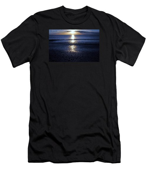 Feeling The Sunset Men's T-Shirt (Slim Fit) by Kicking Bear  Productions