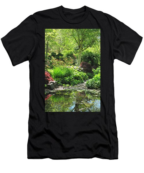 Finnerty Gardens Pond Men's T-Shirt (Athletic Fit)