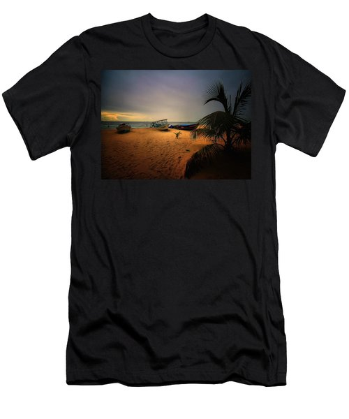 Fish Or Cut Bait Men's T-Shirt (Athletic Fit)