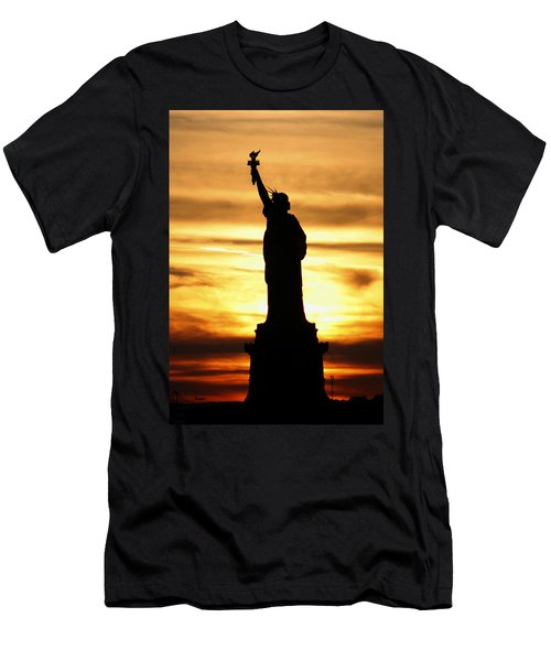 Statue Of Liberty Silhouette Men's T-Shirt (Athletic Fit)