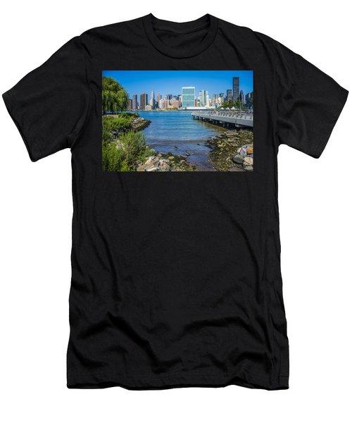 Gantry Plaza State Park Men's T-Shirt (Athletic Fit)