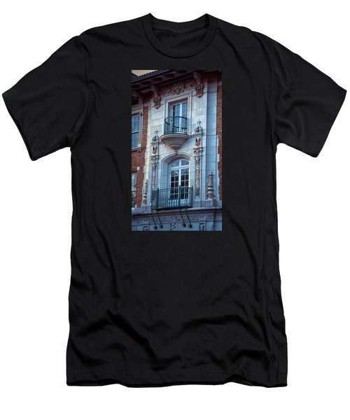 Garrison Hall Window Ut Men's T-Shirt (Athletic Fit)