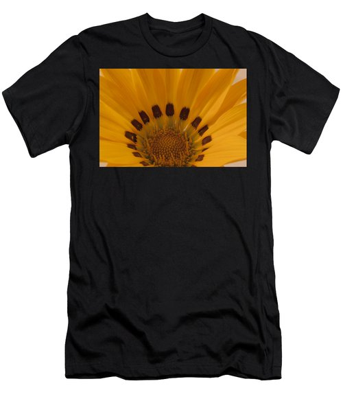 Gazania Stamen Macro Men's T-Shirt (Athletic Fit)
