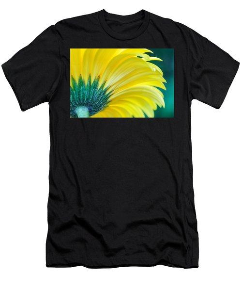 Gerber Daisy Men's T-Shirt (Athletic Fit)