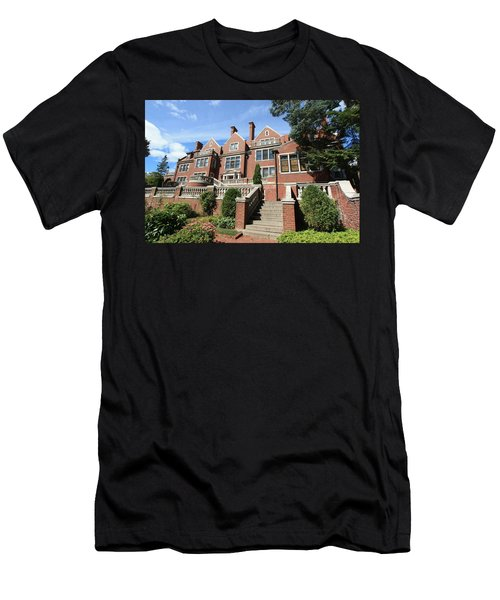 Glensheen Mansion Exterior Men's T-Shirt (Slim Fit) by Amanda Stadther