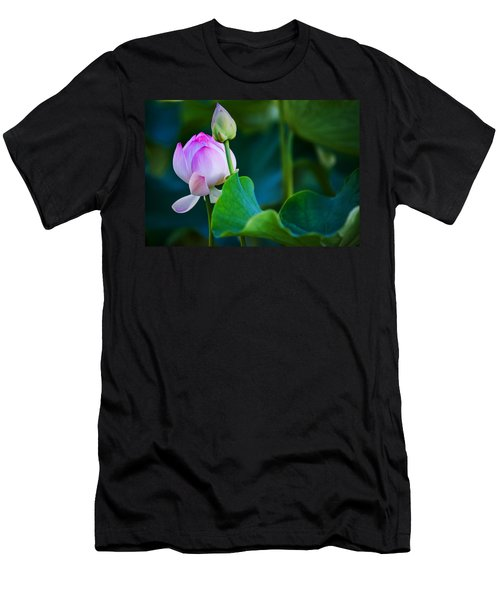 Graceful Lotus. Pamplemousses Botanical Garden. Mauritius Men's T-Shirt (Athletic Fit)