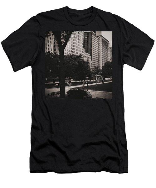Grant Park Chicago - Monochrome Men's T-Shirt (Athletic Fit)