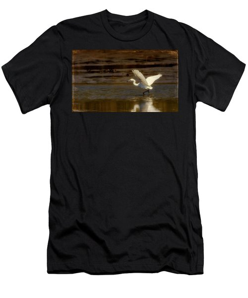 Great Egret Taking Off Men's T-Shirt (Athletic Fit)