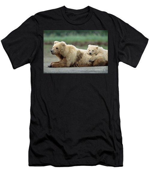 Grizzly Mother And Son Men's T-Shirt (Athletic Fit)