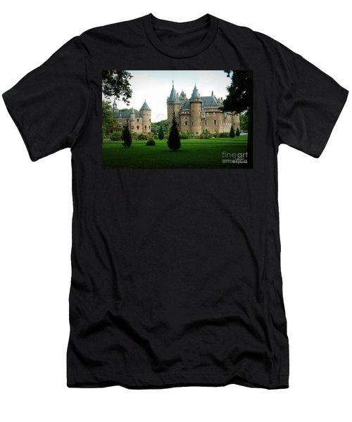 Haar Castle Men's T-Shirt (Athletic Fit)