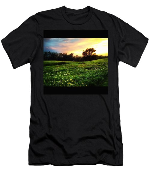 Happy Valley Men's T-Shirt (Athletic Fit)
