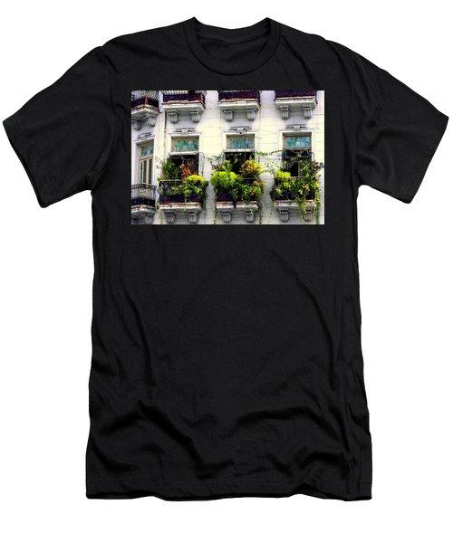 Havana Windows Men's T-Shirt (Athletic Fit)