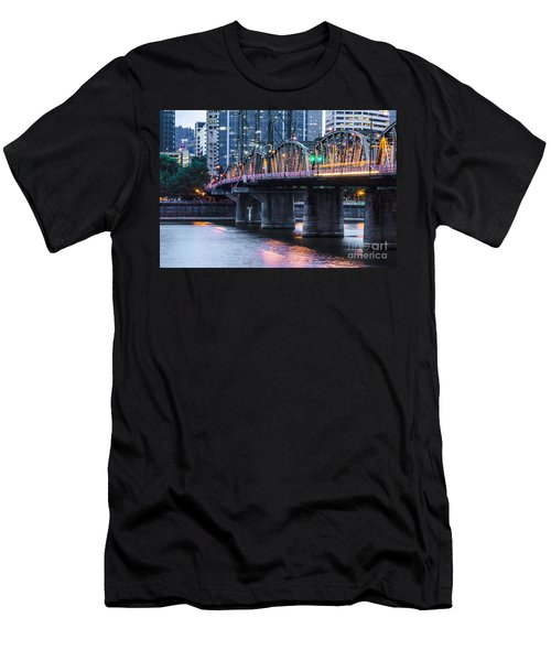 Hawthorne Bridge Portland Oregon Men's T-Shirt (Athletic Fit)