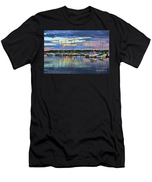 Hecla Island Boats Men's T-Shirt (Athletic Fit)
