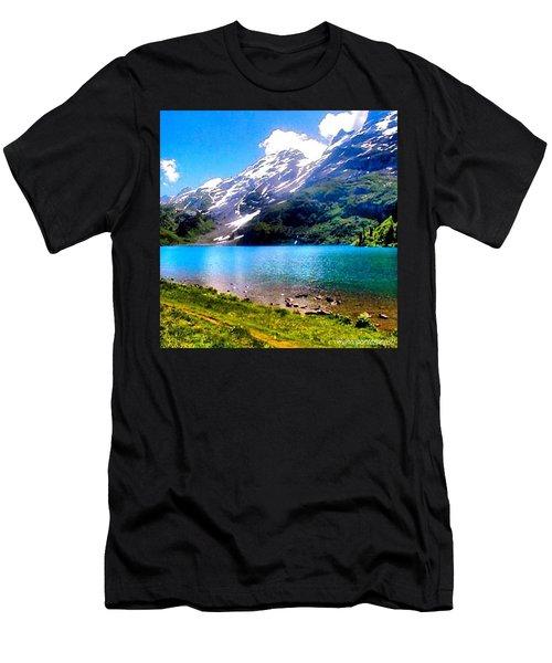 Hiking Switzerland Men's T-Shirt (Athletic Fit)