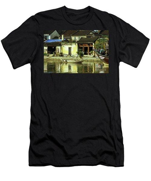Hoi An 01 Men's T-Shirt (Athletic Fit)
