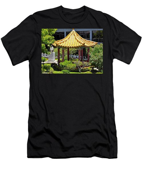 Honolulu Airport Chinese Cultural Garden Men's T-Shirt (Athletic Fit)