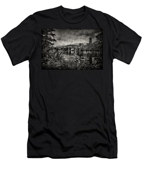 House On The River Men's T-Shirt (Athletic Fit)