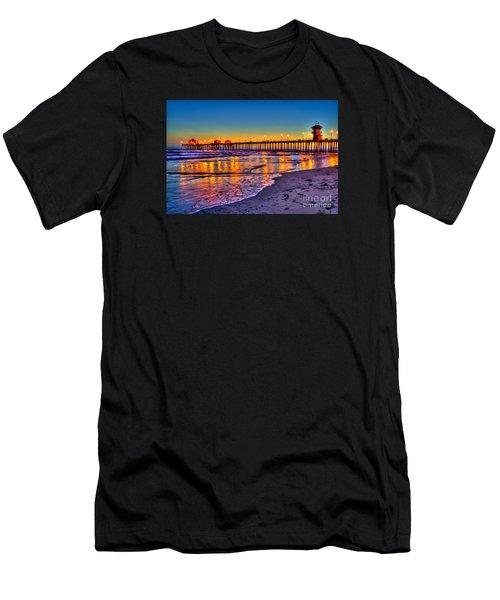 Huntington Beach Pier Sundown Men's T-Shirt (Athletic Fit)